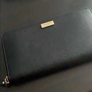 Kate Spade Wallet • Black